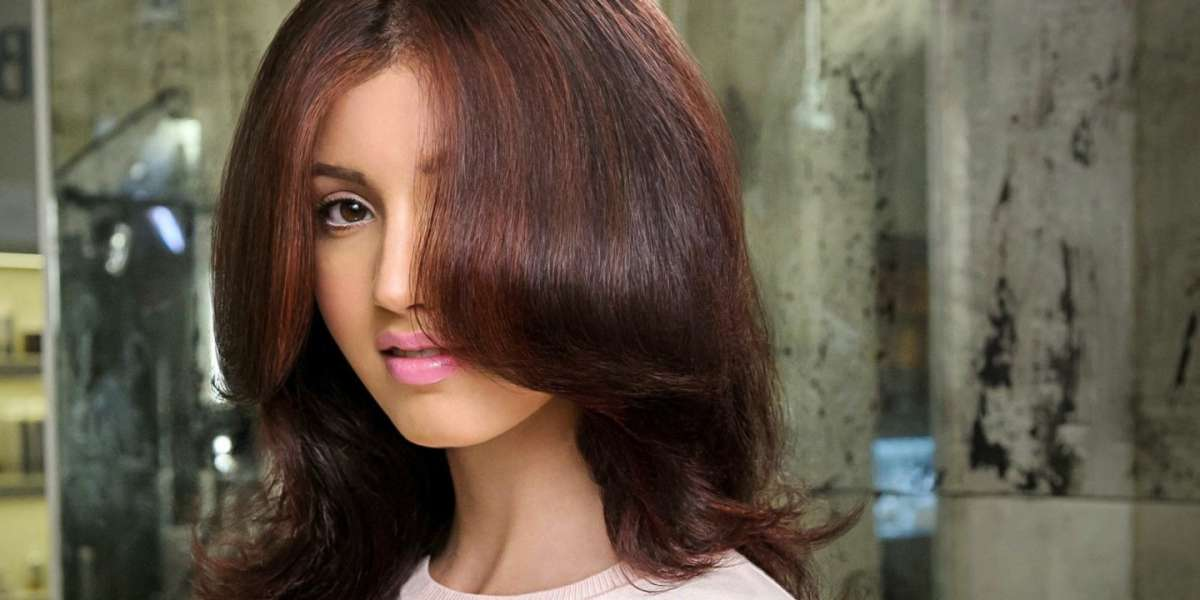 Tendenze capelli 2016: cherry bombrè, il nuovo trend per le brune [FOTO]