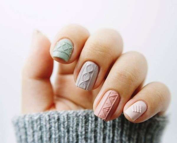 Sweater nail art pastello