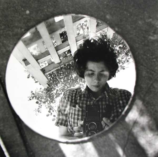 Vivian Maier: a Milano una mostra dedicata alla bambinaia fotografa