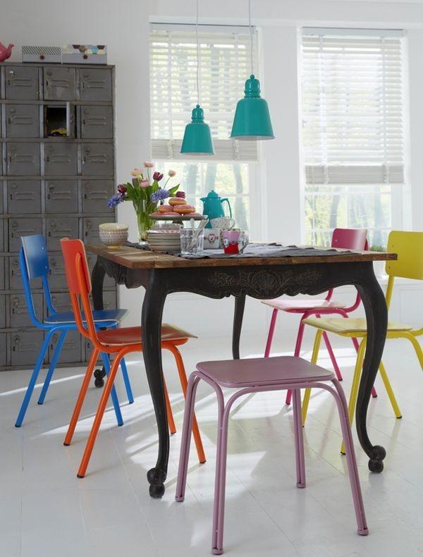 Un nuovoo accostamento fra tavolo e sedie