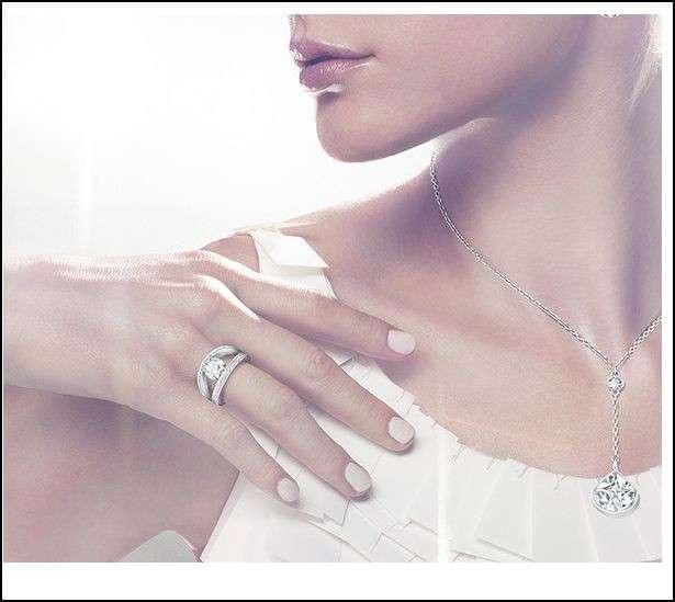 Anelli di fidanzamento Swarovski: i modelli più belli [FOTO]