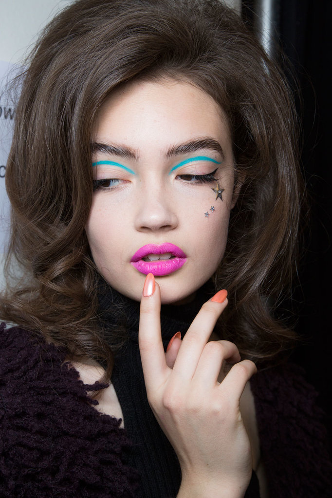 Make up grafico neon di Jeremy Scott