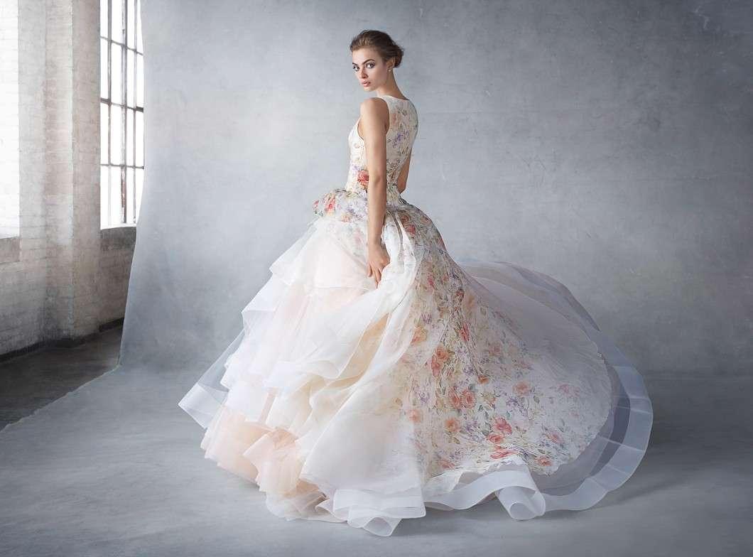 Abiti da sposa in organza: i modelli più eleganti per il giorno del sì [FOTO]