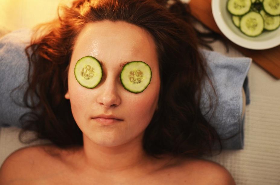donna cetrioli maschera antiage