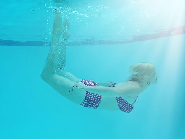 donna nuoto