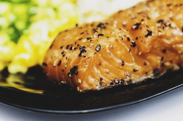 salmone pesce dieta gambe