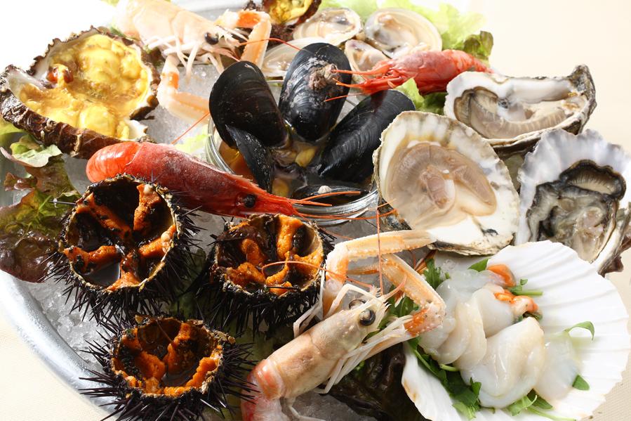 Frutti di mare crudi: rischi per la salute e sintomi