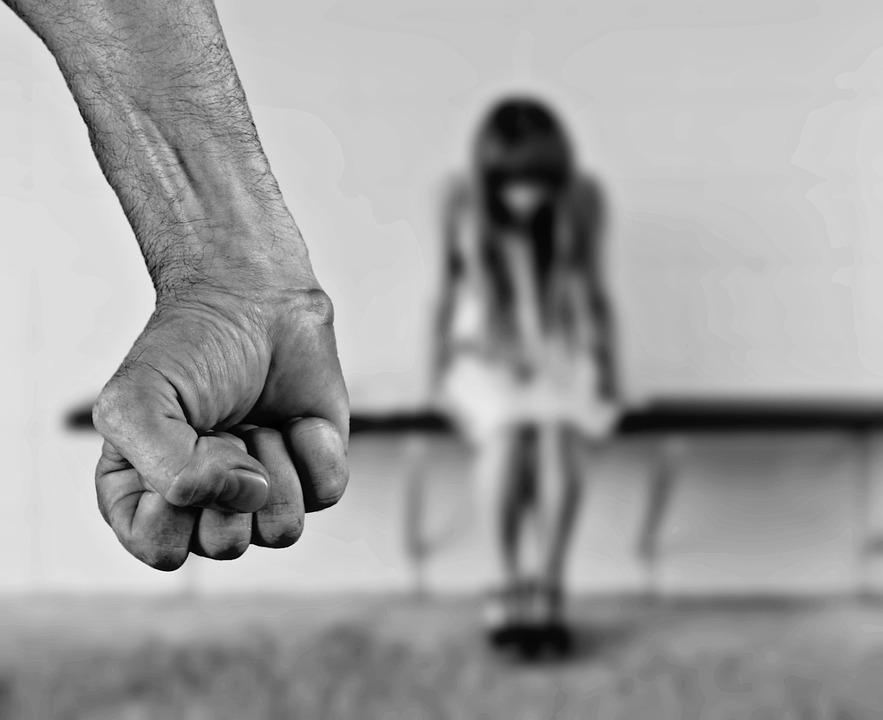 Violenza sulle donne a chi rivolgersi per chiedere aiuto