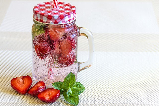 acqua detox fragole