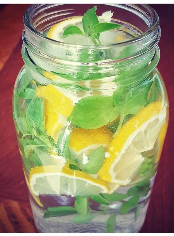 acqua detox limone zenzero menta