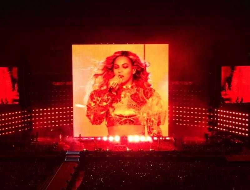 Beyoncé conquista Milano: in 55mila al suo concerto visual [FOTO]