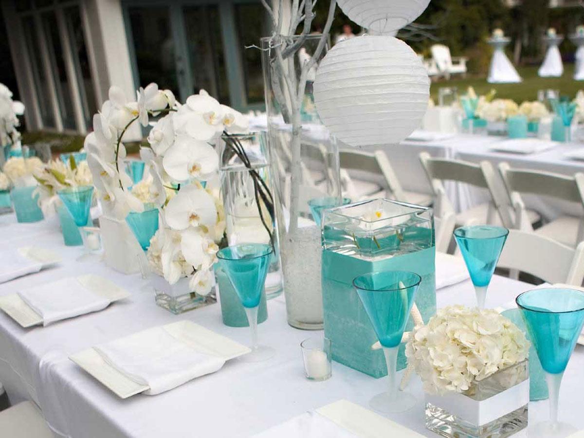 bicchieri e candele blu tiffany