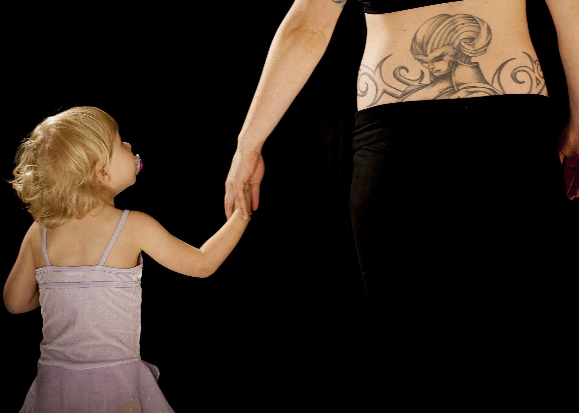 Le più belle frasi per tatuaggi da dedicare ai figli