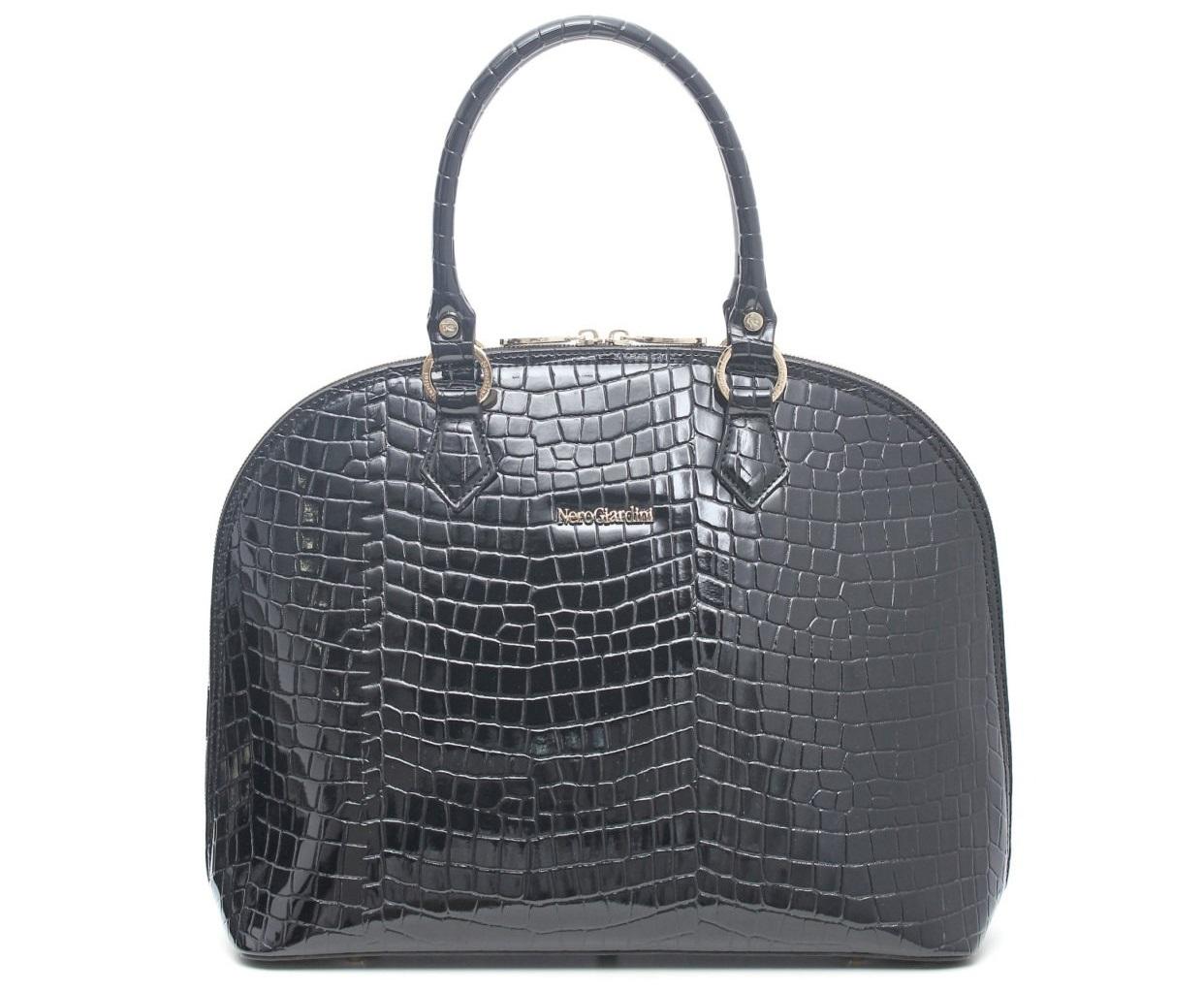 Handbag in vernice