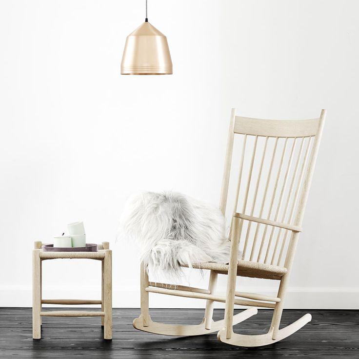 J16 appartiene alla collezione J prodotta da Fredericia Furniture