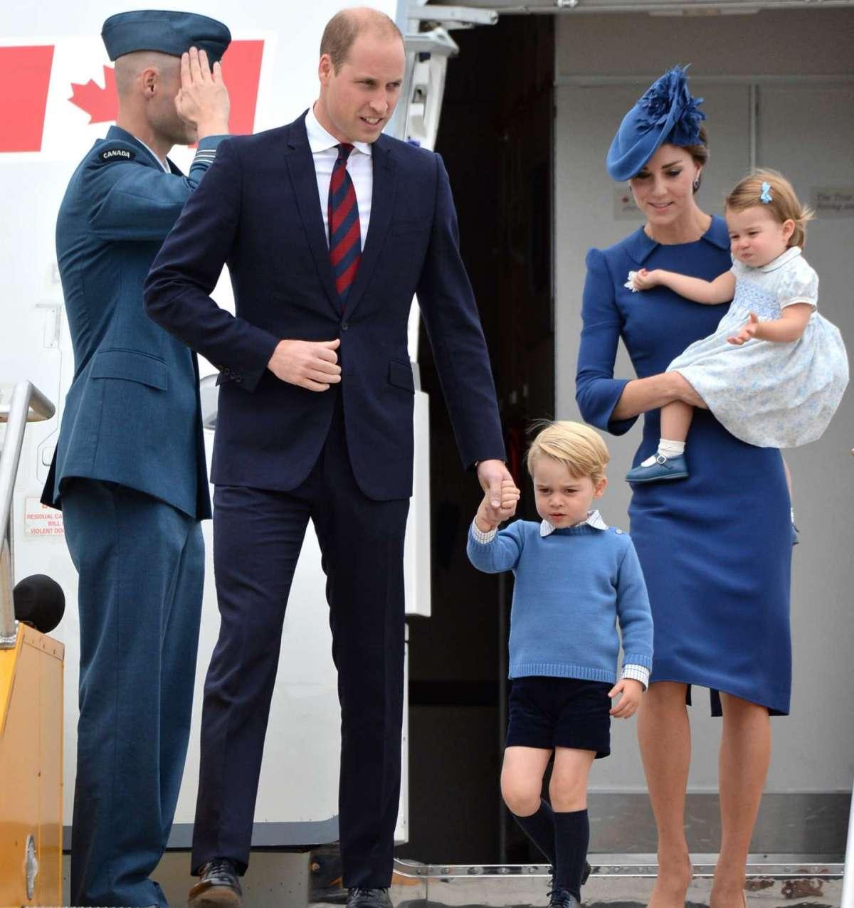 La famiglia reale inglese arriva in Canada
