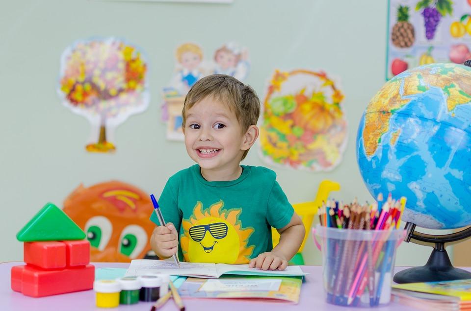 Primo giorno di scuola: i lavoretti per i bambini