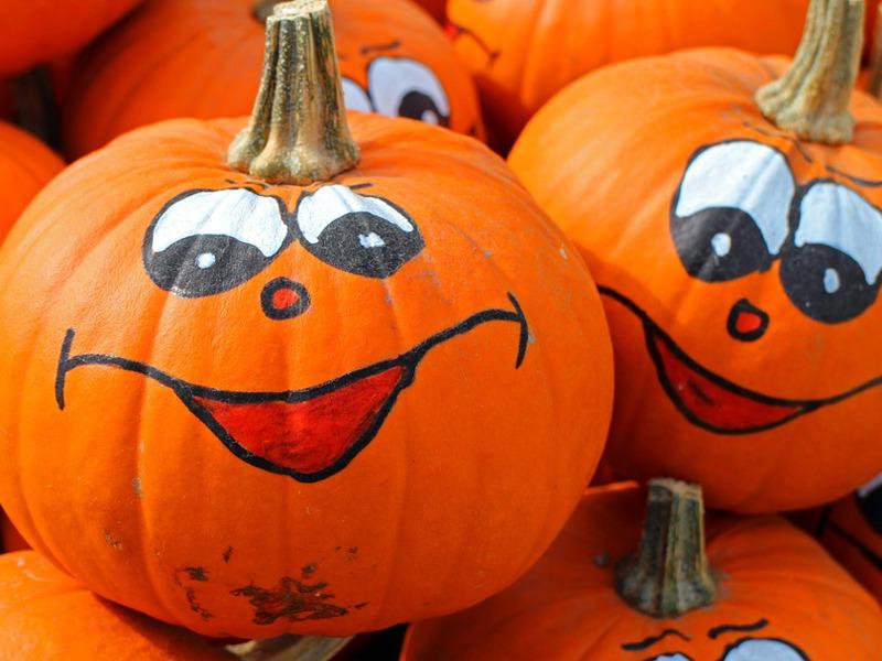 Quali decorazioni di Halloween con il riciclo creativo preferisci?