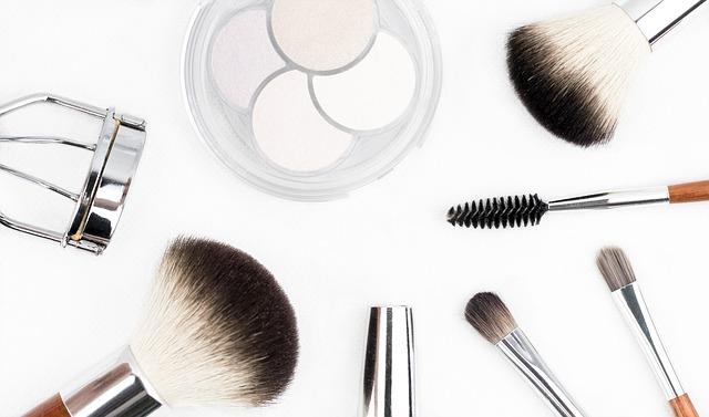 Eye contouring: i consigli per valorizzare lo sguardo con il make up