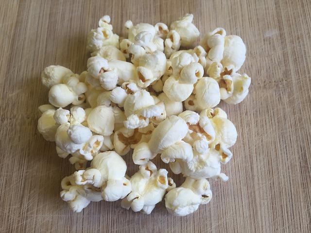 popcorn 877075_640