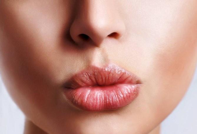 rimpolpare labbra secche