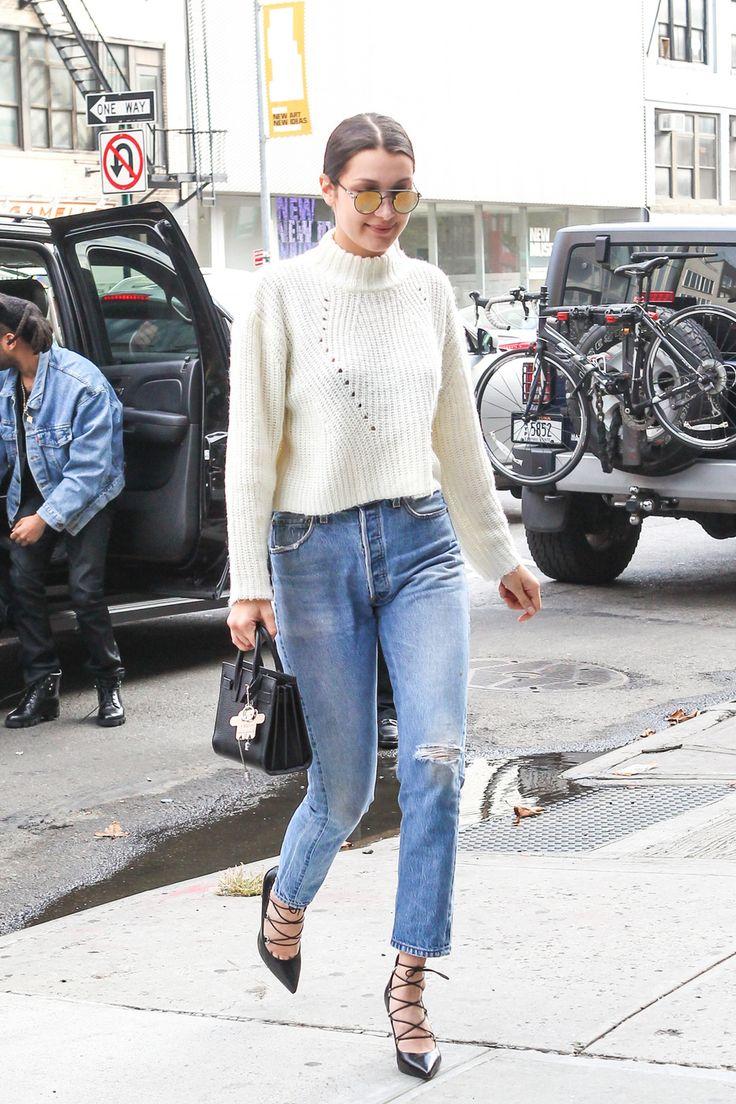 Jeans a vita alta e maglione corto
