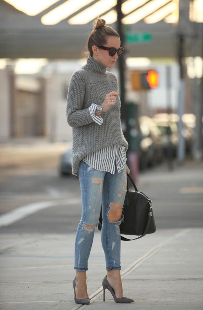 Look con jeans strappati