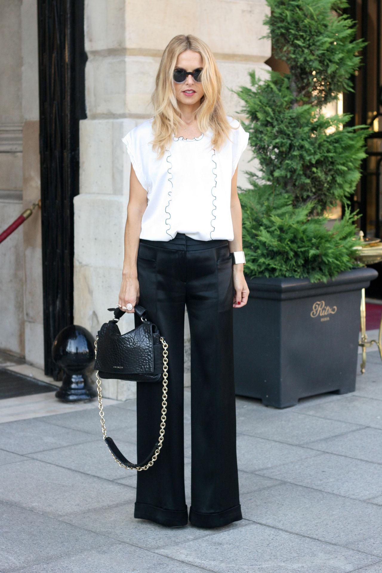 Look elegante con pantaloni a palazzo