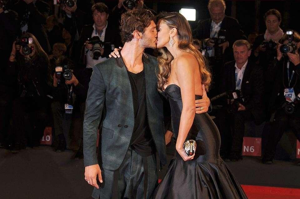 Stefano De Martino difende l'ex moglie Belen Rodriguez sui social: Basta insulti[FOTO]