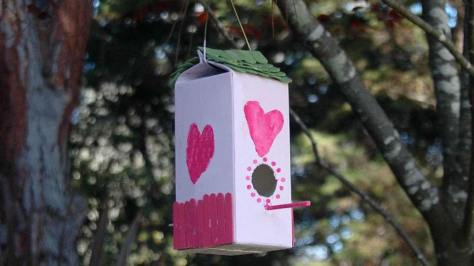 Casette per uccelli fai da te da realizzare con i bambini [FOTO]