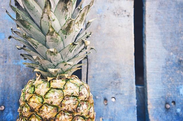 Dieta dell'ananas: menù e consigli per perdere peso e depurarsi