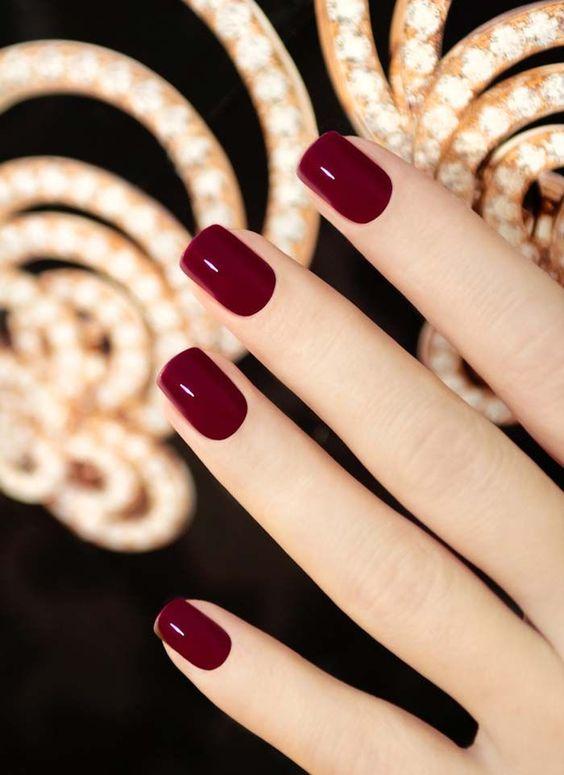 unghie rosso scuro san valentino