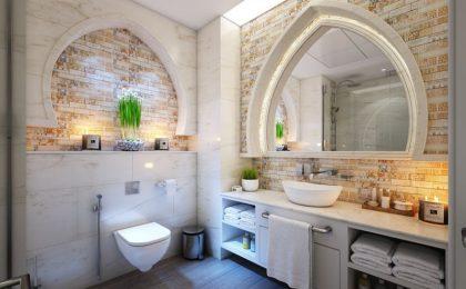 Come pulire le piastrelle del bagno e della cucina