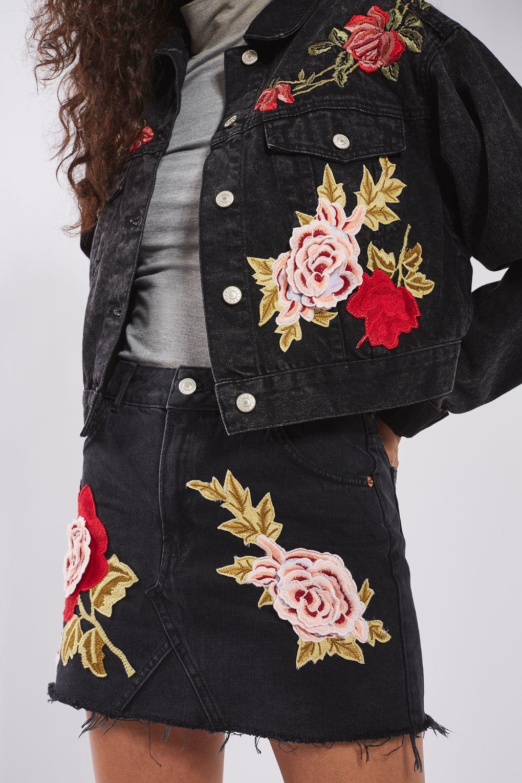 Giacca di jeans nera a fiori Topshop