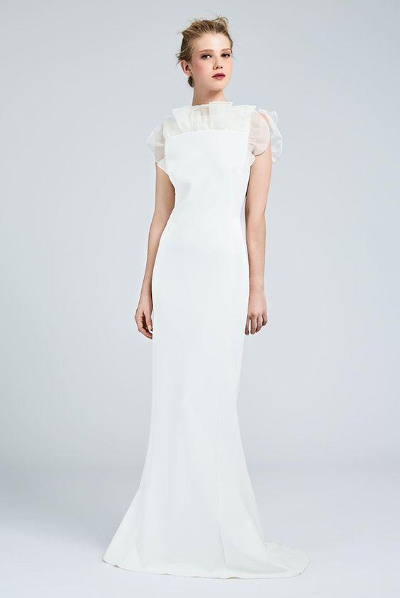 e6707ed352cc I vestiti da sposa scivolati dalla nuova collezione. Vestito da sposa con  rouches. Molto ricca la linea di abiti da sposa scivolati Max Mara ...