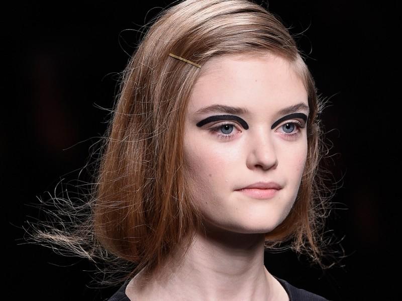 acconciature facili capelli medi