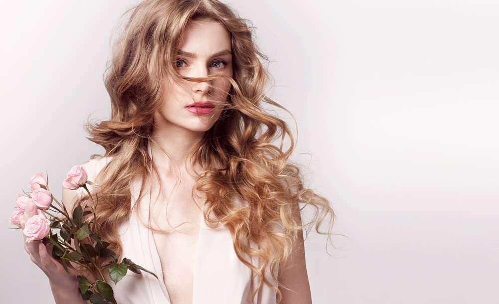 Piastra per capelli mossi, la migliore sul mercato? Come sceglierla [FOTO]