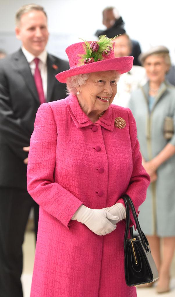 Regina Elisabetta II in visita a Cambridge