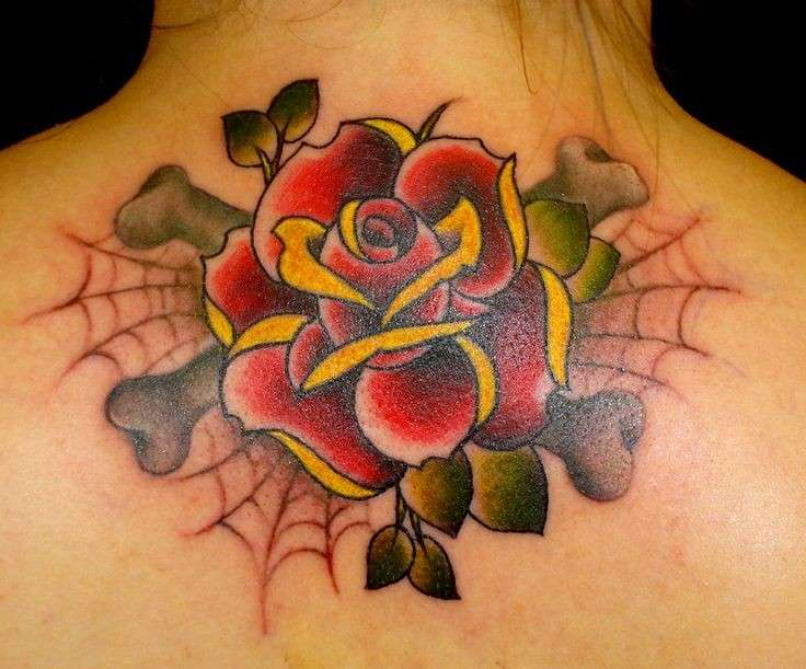 tatuaggio rosa old school