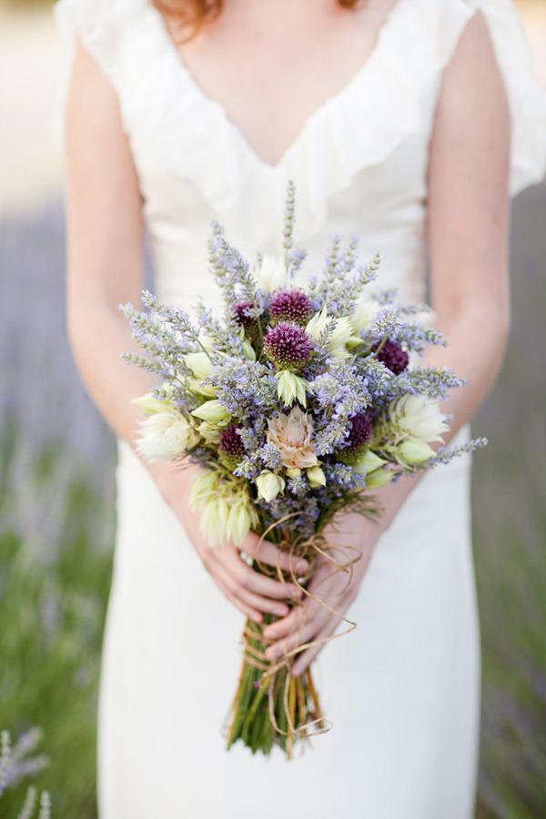 Bouquet con fiori di lavanda