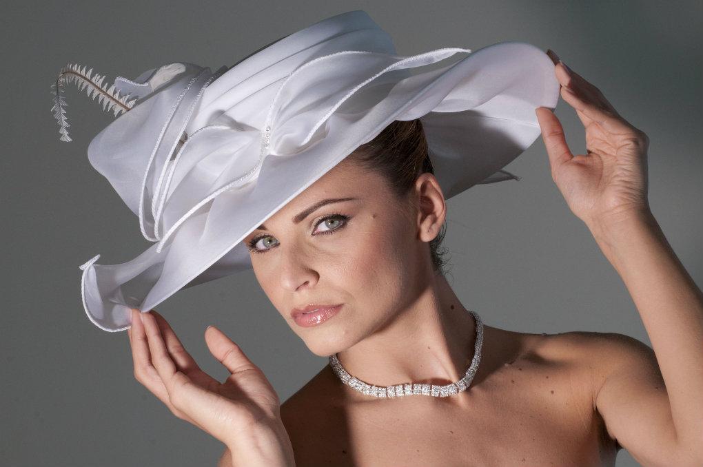 Cappelli da cerimonia  come sceglierli e abbinarli  FOTO   ed1477175edc