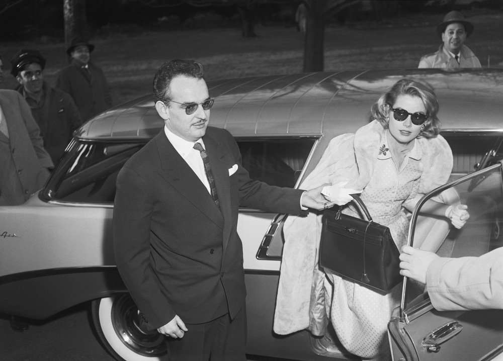 Grace Kelly con borsa anni '50
