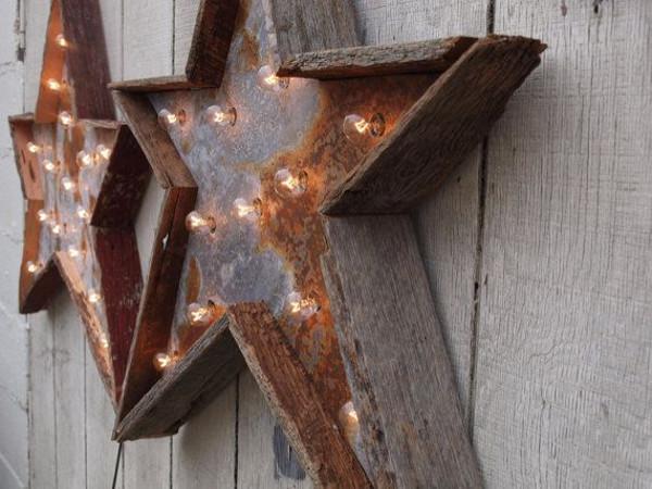 Lampade natalizie in legno