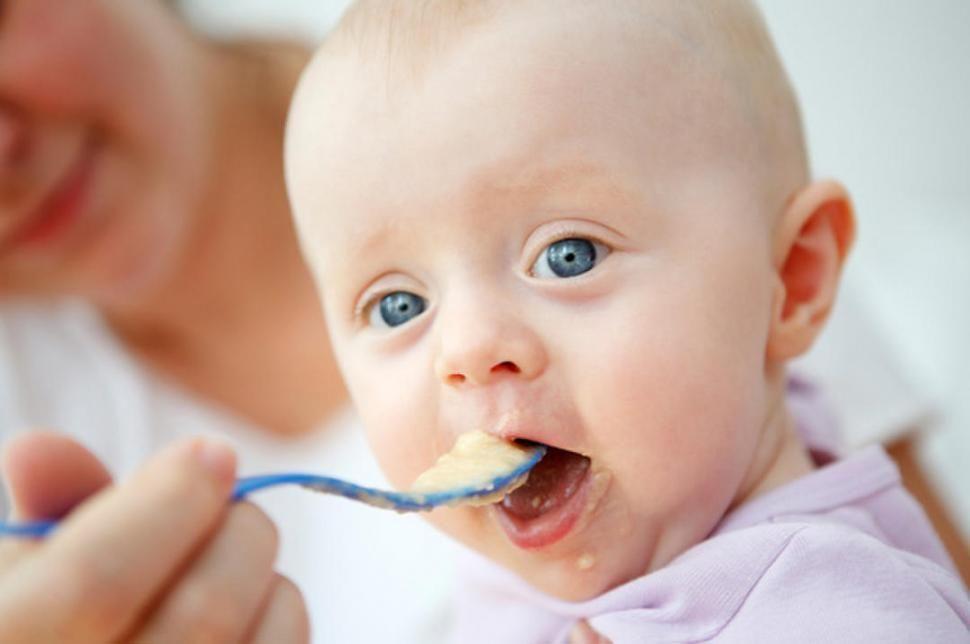 Ricette per lo svezzamento del bambino mese per mese