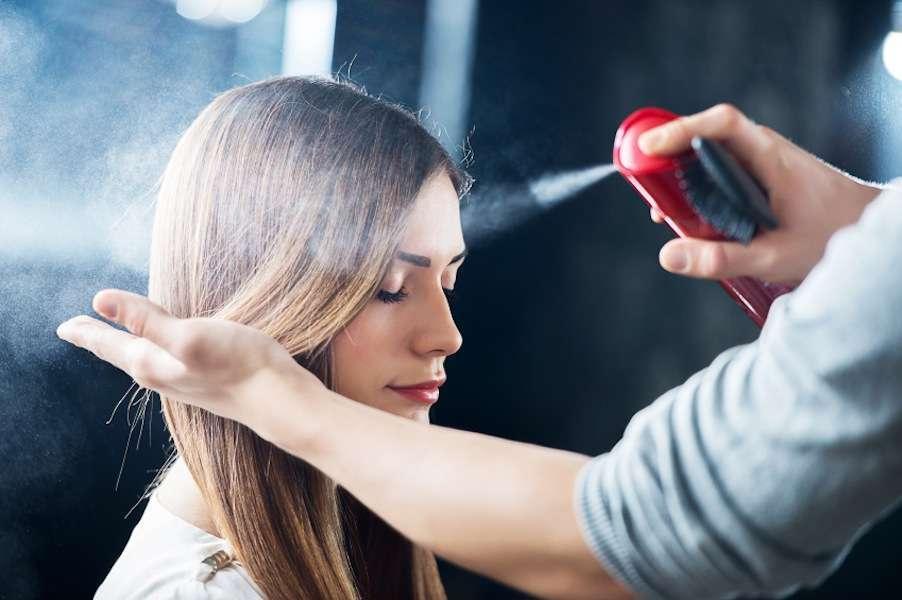 Lacca per capelli: qual è la migliore e come sceglierla [FOTO]