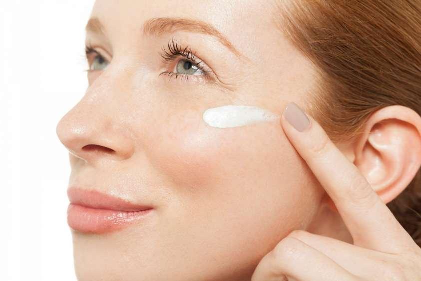 protezione solare acne