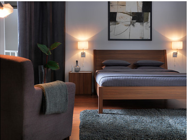 Come illuminare la camera da letto con un design moderno e