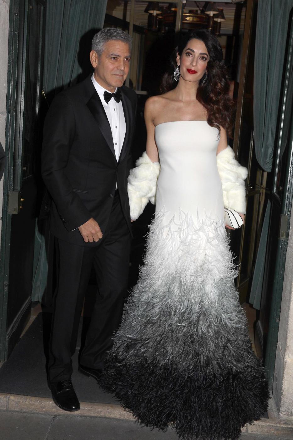 George Clooney e la moglie Amal a Parigi