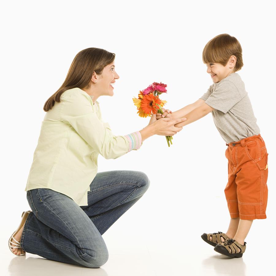 Frasi di auguri per la Festa della Mamma: le 48 più belle da dedicare