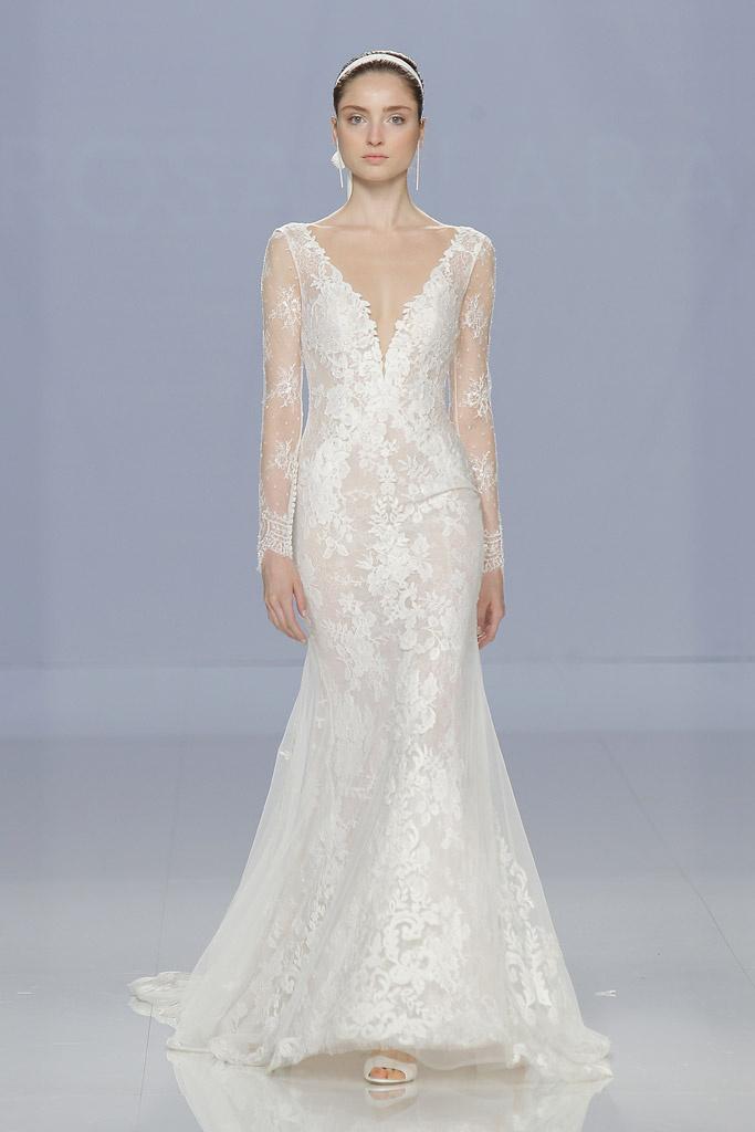 Vestito da sposa in pizzo con maniche lunghe